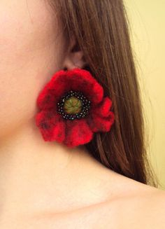 FREE SHIPPING Red Poppy Felted Flower Earrings by SomeBijoux4You, This is fun, I love the colors!
