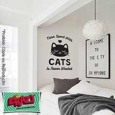 Adesivo decorativo de parede para quem ama gatos. Time spent with cats are never wasted