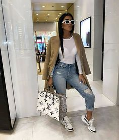 "LADIES pe Instagram: ""🤩🤩🤩🤩 @gabalabbb Follow @100fashionlabs for more . . . . #rebelgal #wissk7 #questionlook #prettylittlething #marlopvris #fabfashionkillas…"" I Love Fashion, Girl Fashion, Fashion Outfits, Womens Fashion, Fashion Design, Fashion Ideas, Luxury Lifestyle Fashion, Casual Outfits, Cute Outfits"
