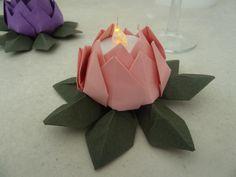 Bougeoir photophore pour bougies LED fleur de lotus en origami rose / vert pour mariage - baptême - anniversaire - décoration : Luminaires par papierelief