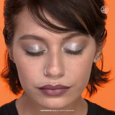 Are you looking for inspiration for your Halloween make-up? Browse around this site for cute Halloween makeup looks. Metallic Eye Makeup, Smokey Eye Makeup, Make Up Looks, Makeup For Green Eyes, Blue Makeup, Beauty Tips Easy, Beauty Hacks, Beauty Makeup, Hair Makeup