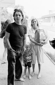 Paul McCartney, Linda McCartney Get premium, high resolution news photos at Getty Images Paul Mccartney Kids, James Mccartney, Paul Mccartney Beatles, Paul Mccartney And Wings, Liverpool, Sir Paul, Steve Perry, The Fab Four, A Day In Life