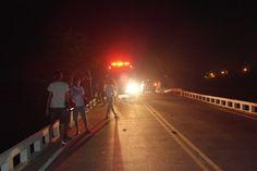 Micro-ônibus tomba no Riacho do Gado em Tabira - PE
