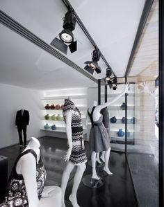 Loja / Store Alves Gonçaves - Chiado - Lisbon   Fernando Sanches Salvador + Margarida Grácio Nunes. Photos by Fernando Guerra, FG+SG Architectural Photography