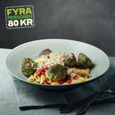 Spännande smak på denna pastarätt, dumplings på ricotta och spenat serveras tillsammans med en god tomatsås. Recept av Lotta Lundgren