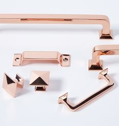 With a design that emphasizes simple horizontal and vertical lines, the Mission Drawer Pull is a favorite on cabinetry in kitchens, bathrooms, and laundry rooms and makes a classic statement adorned on furniture pieces as well.  * Copper-plated brass * Also available in assorted finishes over brass * Mounting hardware included * Imported