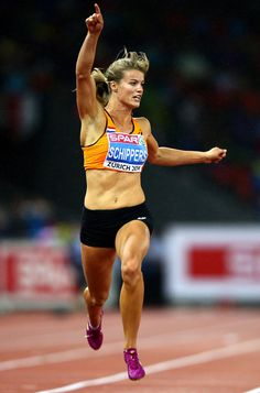 22 year old Dafne Schippers, 2014 Dutch and European Champion at 100 and 200 metres. Olympic Athletes, Olympic Sports, Dafne Schippers, Olympic Runners, Running Pose, Heptathlon, Athletic Events, Anatomy Poses, Female Cyclist