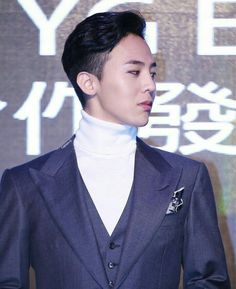 Classy. ❤ #jiyong Can pull of any look you say.