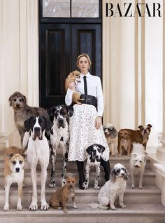 "Emily Blunt poses for the January 2019 cover of Harper's Bazaar magazine to promote ""Mary Poppins."" Photo by Richard Phibbs. Pet Fashion, Animal Fashion, Fashion Shoot, Editorial Fashion, Magazin Covers, Go Fly A Kite, Mode Editorials, Harpers Bazaar, Cool Pictures"