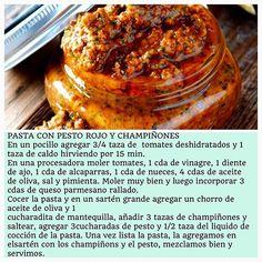 Pasta de pesto rojo con champiñones