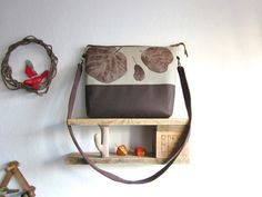 Great bag yet I love the shelf idea!