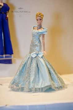O woww, what a gorgeous dress.