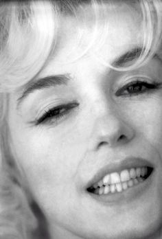 Marilyn by Willy Rizzo, February 1962. Marilyn applied her own makeup for this photo shoot.