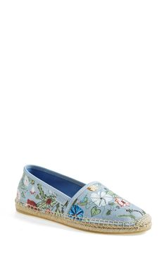 Totally cute floral Gucci espadrille flats.