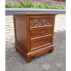 Top drawer hand carved with palm leaf decoration. Tropical Furniture, Coastal Furniture, Solid Wood Furniture, Tropical Decor, Unique Furniture, Furniture Decor, Painted Furniture, Bedroom Furniture, 3 Drawer Nightstand
