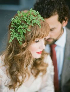 Patrick's Day Inspiration on Green Wedding Shoes featuring a rad green dream team! Floral Hair, Floral Crown, Bridal Hair Flowers, Wedding Flowers, Fern Wedding, Corona Floral, Dream Wedding, Wedding Day, Wedding Paper