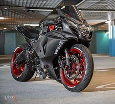 Suzuki GSX 1000 R Fiber carbon suit. Suzuki GSX 1000 R Fiber carbon suit. Suzuki GSX 1000 R Fiber carbon suit. List the 2019 Suzuki Motorcycle Models, see all ne. Motorcycle Wheels, Suzuki Motorcycle, Moto Bike, Racing Bike, Motorcycle News, Cb 250 Twister, Ducati, Yzf R125, Suzuki Bikes