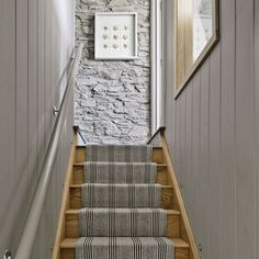 Hallway colour schemes – Hallway colour ideas – Hallway colours Looking for hallway colour schemes? From the best grey paint to blue and green hallway decorating i Cottage Staircase, Narrow Staircase, Staircase Design, Staircase Ideas, Wedding Staircase, Staircase Runner, Stair Runners, Staircase Pictures, Spiral Staircase