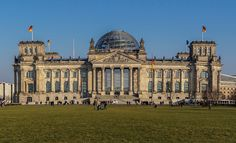 The Reichstag building (German: Reichstagsgebäude; officially: Plenarbereich Reichstagsgebäude), Berlin  #Reichstag #Berlin #Maladeviagem
