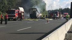 Unfall auf der A9 bei Münchberg: Reisebus brennt völlig aus