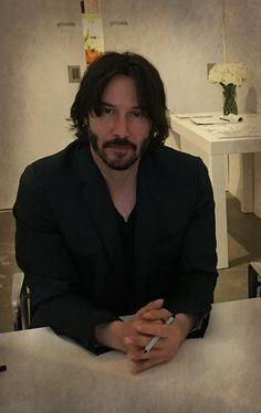 Keanu Reeves House, Keanu Reeves John Wick, Keanu Charles Reeves, John Rick, Keano Reeves, Keanu Reeves Quotes, Hollywood, Attractive People, Dream Guy