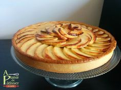 Apple Tart with Cinnamon and Clove Compot Center Gourmet Desserts, Delicious Desserts, Yummy Food, Apple Recipes, Sweet Recipes, Mousse Au Chocolat Torte, Desserts With Biscuits, Bakery, Food And Drink