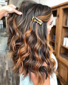 Let's spice up your dark tresses! These copper highlights on long black hair are enough to bring out an aesthetic finish to your look. Dance Hairstyles, Boys Long Hairstyles, Boy Haircuts, Modern Haircuts, Funky Hairstyles, Formal Hairstyles, Short Haircuts, Wedding Hairstyles, Boys Hair Highlights
