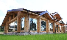 Exciting Choices to build your beautiful log cabin home in the mountains or next to a lake. A peaceful environment to take refuge from our fast pace life. Log Cabin Floor Plans, Rustic House Plans, Modern House Plans, Colorado Mountain Homes, Casas Country, Earth Sheltered Homes, Timber Logs, Log Home Designs, Rustic Pergola