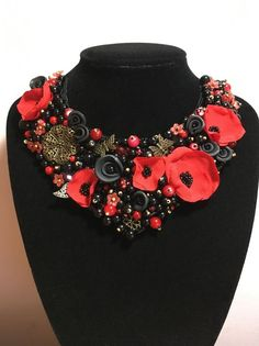 "Colier floral ""Christmas Joy"" | Breslo Necklaces, Jewelry, Fashion, Moda, Jewlery, Bijoux, Fashion Styles, Chain, Schmuck"