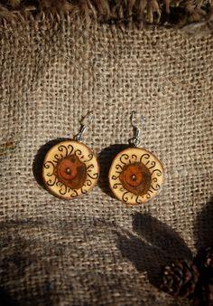 деревянные серьги. украшения из дерева. wood decorations. wooden ornaments. wooden earrings