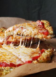 Pizza recipes - 17 Weird Pizza Crusts That Are Actually Brilliant – Pizza recipes Pizza Recipes, Low Carb Recipes, Vegetarian Recipes, Cooking Recipes, Healthy Recipes, Paleo Food, Healthy Pizza, Healthy Snacks, Healthy Low Fat Meals