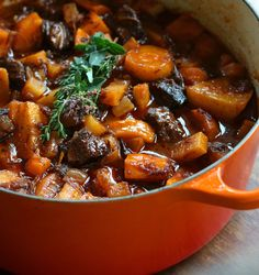 A deliciously rich and hearty traditional stew. No potatoes or parsnips for low carb. French stew featuring parsnips, turnips, rutabagas and fork tender beef that was marinated in advance. Old Fashioned Beef Stew, Soups And Stews, Beef Stews, Pot Roast, Cooking Recipes, Dutch Oven Recipes, Quick Recipes, Vegan Recipes, Stuffed Peppers