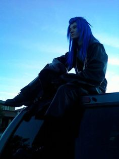 Saix from Kingdom Hearts. Cosplay by AmaraSama. Photography by Dennasaur. Kingdom Hearts Cosplay, Kingdom Hearts Ii, Buy Wigs, Self Described, Live Action, Final Fantasy, Cool Words, Going Out, Best Friends