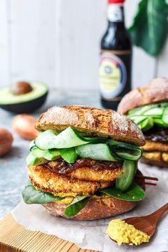 Grünes Kohlrabischnitzel-Sandwich