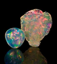 Rough and cut Lloviznando Opal.