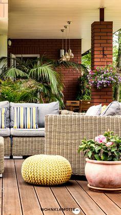 WOHNKLAMOTTE inspiriert Dich mit Ideen rund um Terrasse und Balkon. In unserem Artikel erfährst Du, wie Du Deine Terrasse neu gestalten kannst. Garden Crafts, Garden Projects, Garden Art, Diy Projects, Project Ideas, Flower Tower, Garden Oasis, Backyard, Patio
