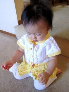 Seamless Yellow Baby Sweater Dress. Free Knitting Pattern! Free baby sweater knitting patterns at http://intheloopknitting.com/free-baby-and-child-sweater-knitting-patterns/