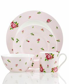 Royal Albert Dinnerware, Country Rose Pink Vintage Casual 4-Piece Place Setting