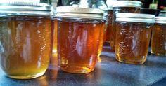 La miel orgánica es y siempre será buena para tu salud, no te preocupes. Esta noticia intenta ponerte alerta sobre una práctica industrial muy dañina, alentada por productores de miel chinos que, intentando ocultar la ilegalidad de su mercancía, filtran su producto eliminando todos los nutrientes de lamiel.lavozdelmuro.netSe estima que al menos el 76% de toda la miel producida en el mundo es falsa. Esto quiere decir que no...