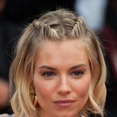 Try out these knotted and twisted hair-dos for homecoming—Sienna Miller hair styles 23 Epic Braids For All The Fall Hair Inspo You Need Teen Vogue, Cute Braided Hairstyles, Easy Hairstyles, Medium Hairstyle, Hairstyles Pictures, Hairstyles 2016, Concert Hairstyles, Layered Hairstyles, Celebrity Hairstyles