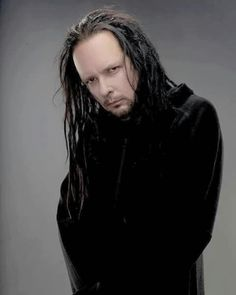 This is the best pic of JD EVER! Nu Metal, Korn, Ray Luzier, Show Me Your Love, Jonathan Davis, Sketch Ideas, Slipknot, Dark Fashion, Great Bands