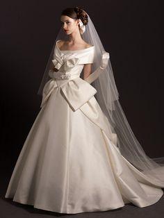 オフショルダーウエディングドレス Unusual Wedding Dresses, Dream Wedding Dresses, Bridal Dresses, Wedding Gowns, Prom Dresses, Bridal Hair Roses, Queen Dress, Beautiful Gowns, Wedding Bride