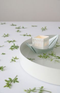 Looking for magic event/wedding decoration? You can now buy my floating light boats per 25 pcs for a special price. Turn your pond into a fairy tale or comemmorate a loved one... Great ritual!