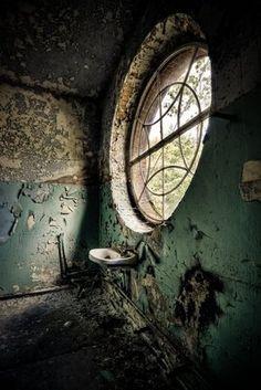 geisslein: My friday love: The forgotten house