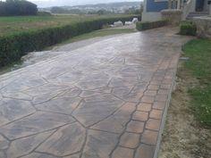 Pavimento de hormigón estampado con ankare Zaline terracota envejecido