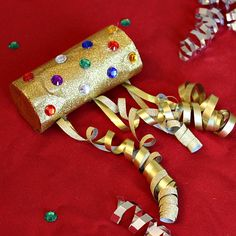 New Year's Eve Noise Makers If you are spending new years eve with a toddler then you'll need these great New Year's Eve activities for toddlers! Over 20 fun new year activities for toddlers! New Year's Eve Activities, Craft Activities For Kids, Preschool Crafts, Toddler Activities, Crafts For Kids, Winter Activities, Craft Ideas, New Years With Kids, Kids New Years Eve