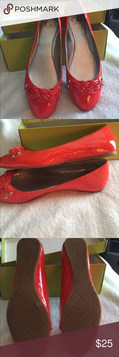 NWT Bright orange flats Ballerina flats bright orange patent leather with rope twist leather on toes and silver grommets. Gianni Bini Shoes Flats & Loafers