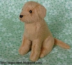"Sitting golden retriever. 7 centimeters.  The pattern doesn't include seam allowance.   Sew the hind leg to the body with backstitch. (f-g-h-i) ""f-g-h"" of the leg must be shrunken.  Sew the front of m"