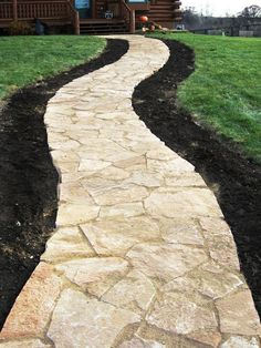 garden paths Take some inspiration from these DIY garden path ideas to make it by yourself. One of the most basic DIY garden path ideas that you can do is a gravel path that is cheap and Flagstone Pathway, Outdoor Walkway, Outdoor Landscaping, Front Yard Landscaping, Outdoor Gardens, Landscaping Ideas, Gravel Path, Backyard Patio, Diy Garden