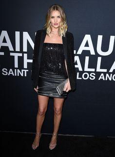Rosie Huntington-Whiteley au défilé Saint Laurent à Los Angeles http://www.vogue.fr/mode/inspirations/diaporama/les-looks-de-la-semaine-fvrier-2016/25432#rosie-huntington-whiteley-au-dfil-saint-laurent-los-angeles
